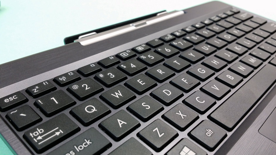 While cramped, Asus' keyboard attachment works quite well.