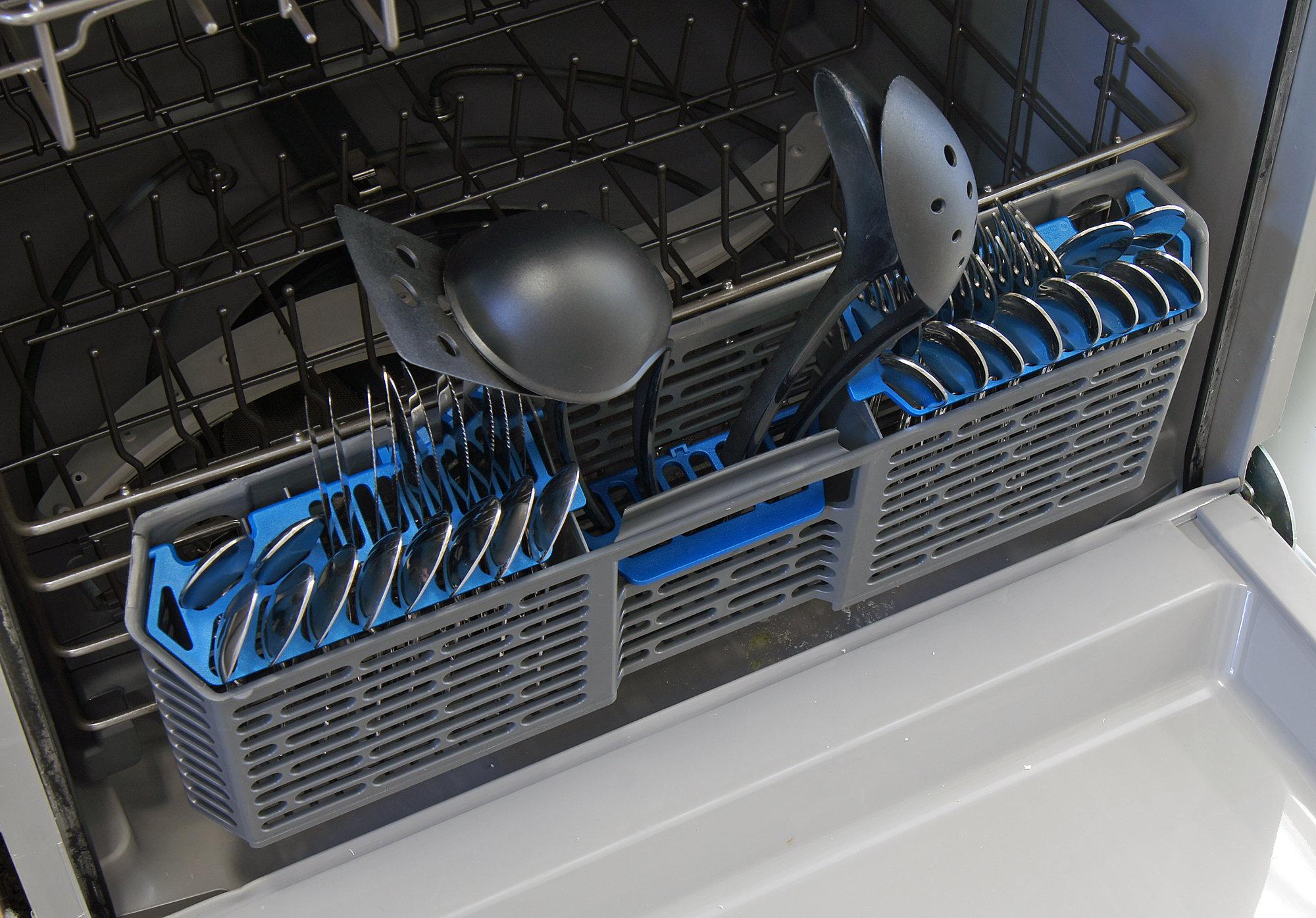 GE Artistry ADT521PGFWS cutlery basket capacity