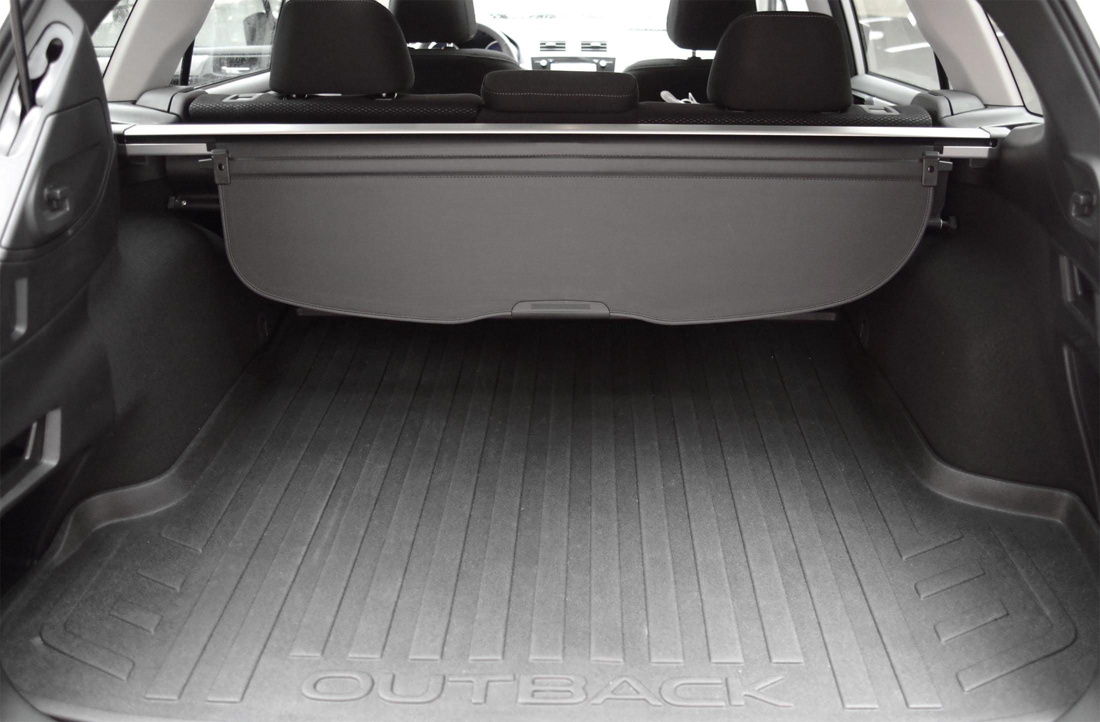 2015 Subaru Outback trunk