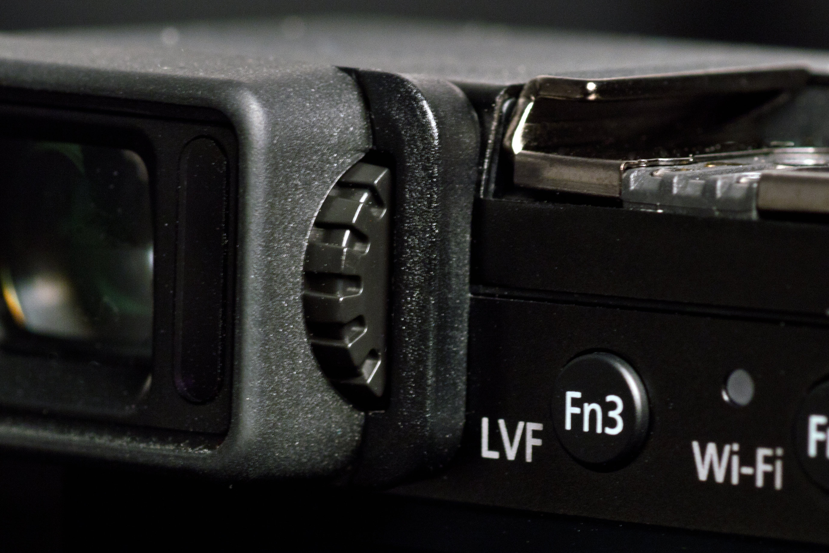 A photograph of the Panasonic Lumix LX100's diopter.