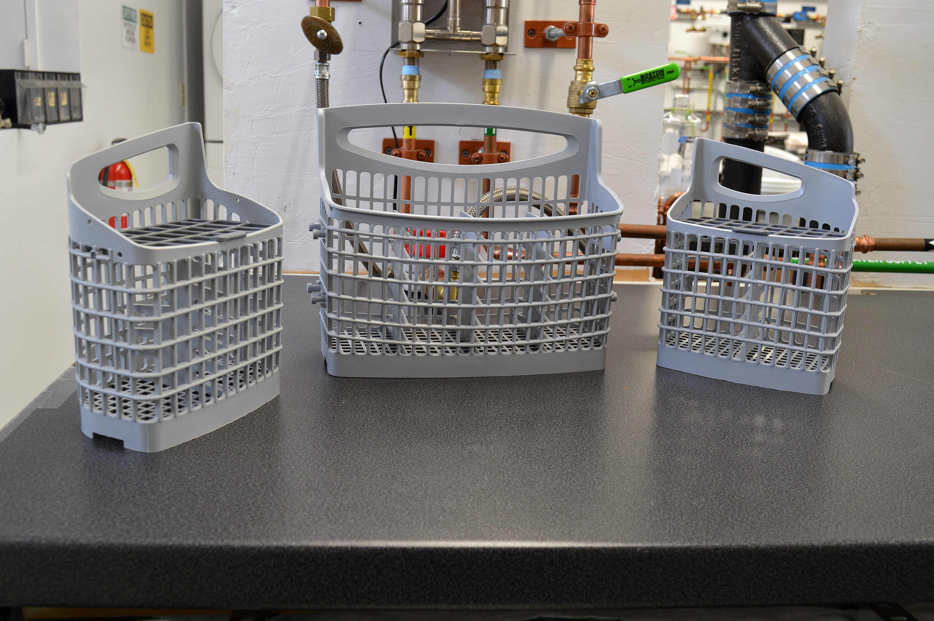 Frigidaire Gallery FGID2466QF separated three-part cutlery basket
