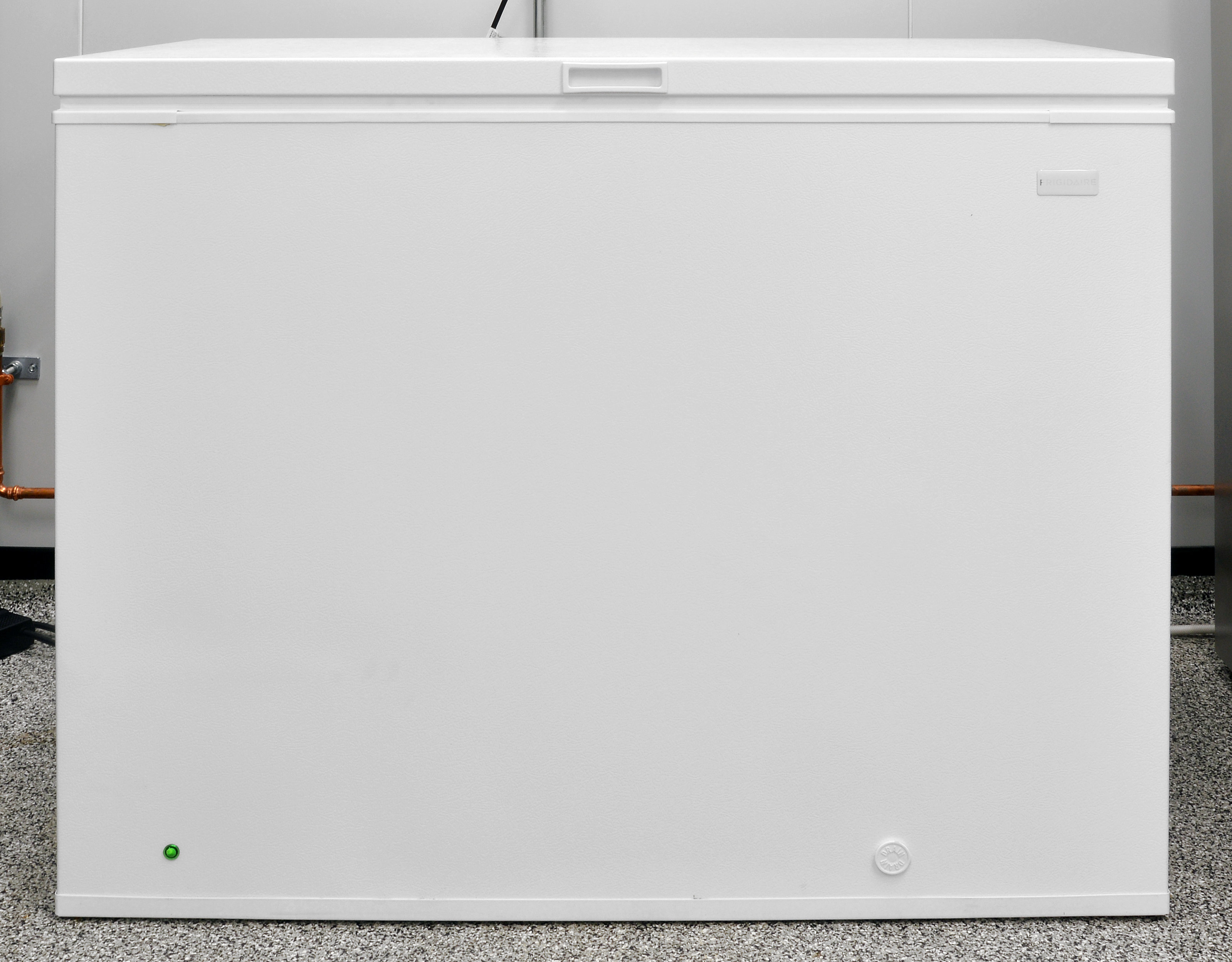 At 9.05 cubic feet, the Frigidaire FFFC09M1QW is actually pretty compact.