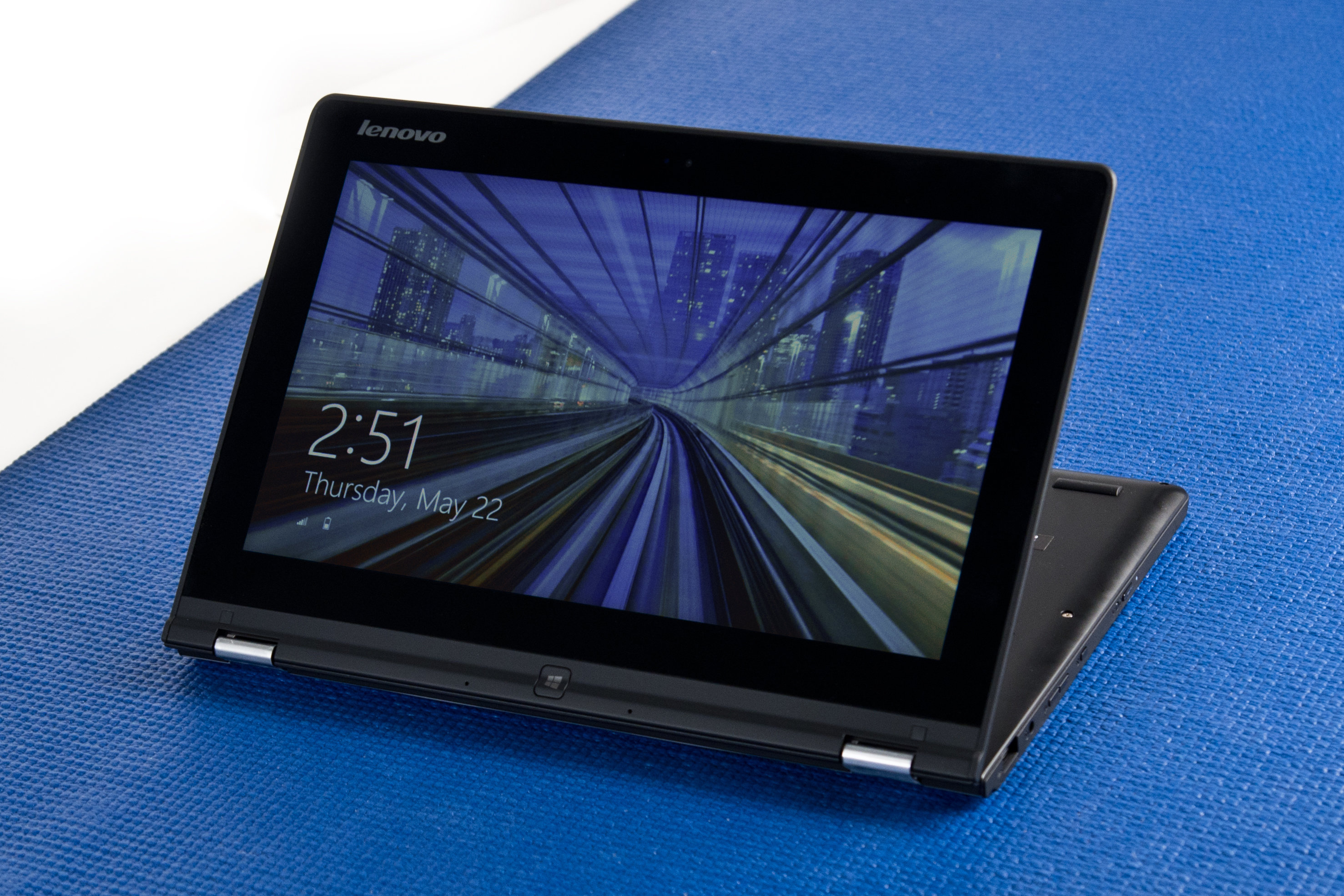 A picture of the Lenovo Yoga 2 11 from the front in cobra pose.