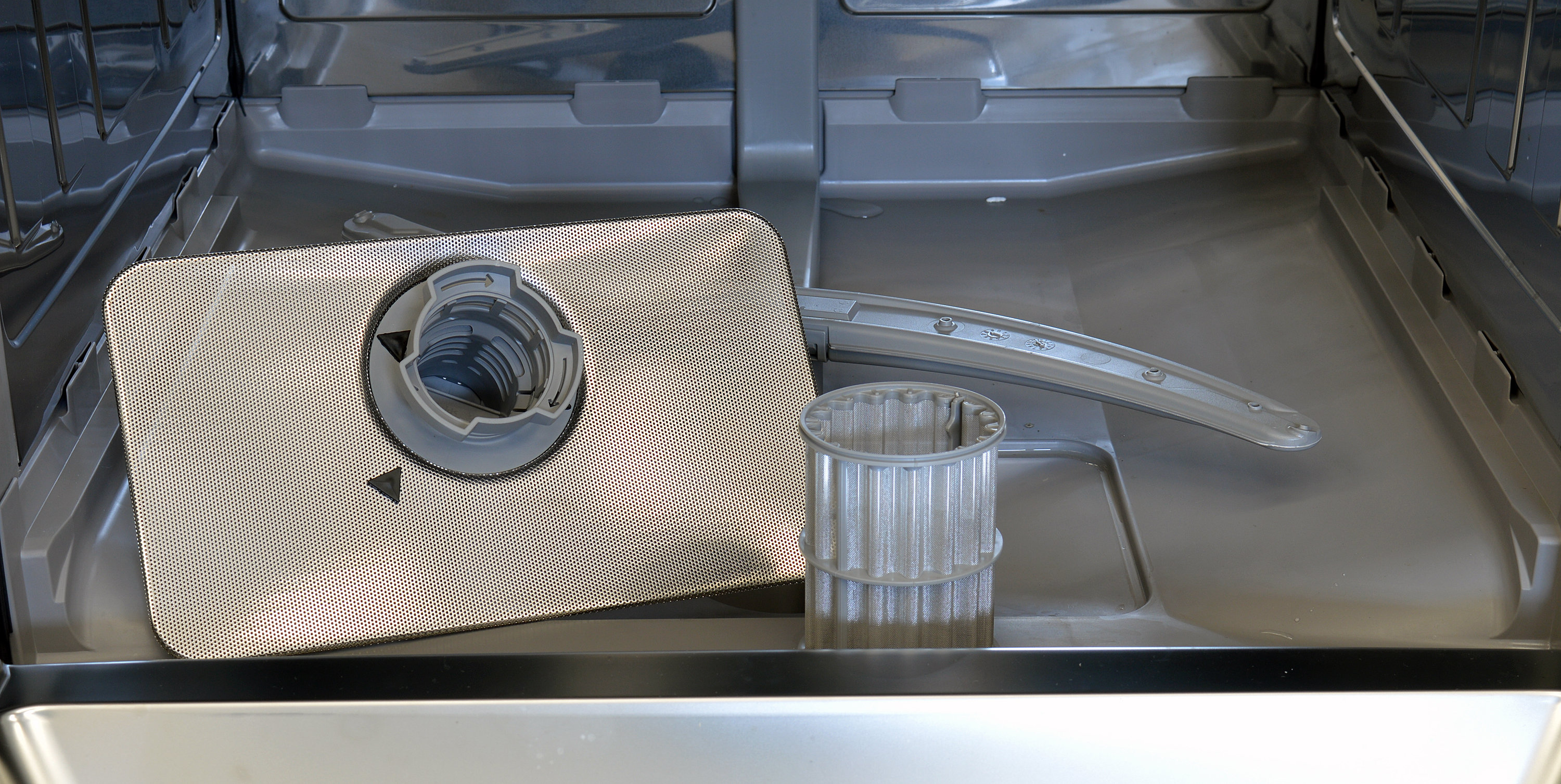 how to clean dishwasher filter bosch