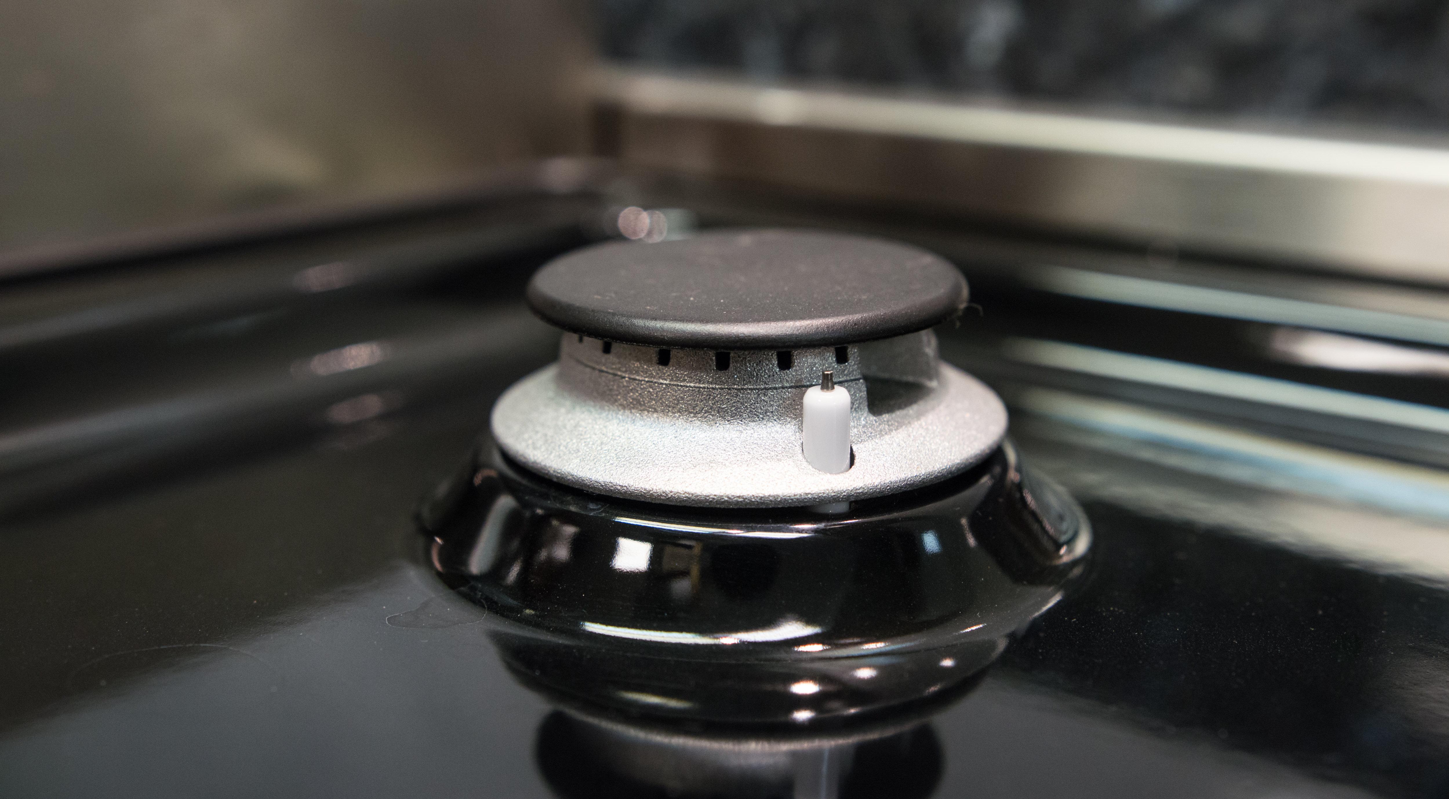 Right rear simmer burner