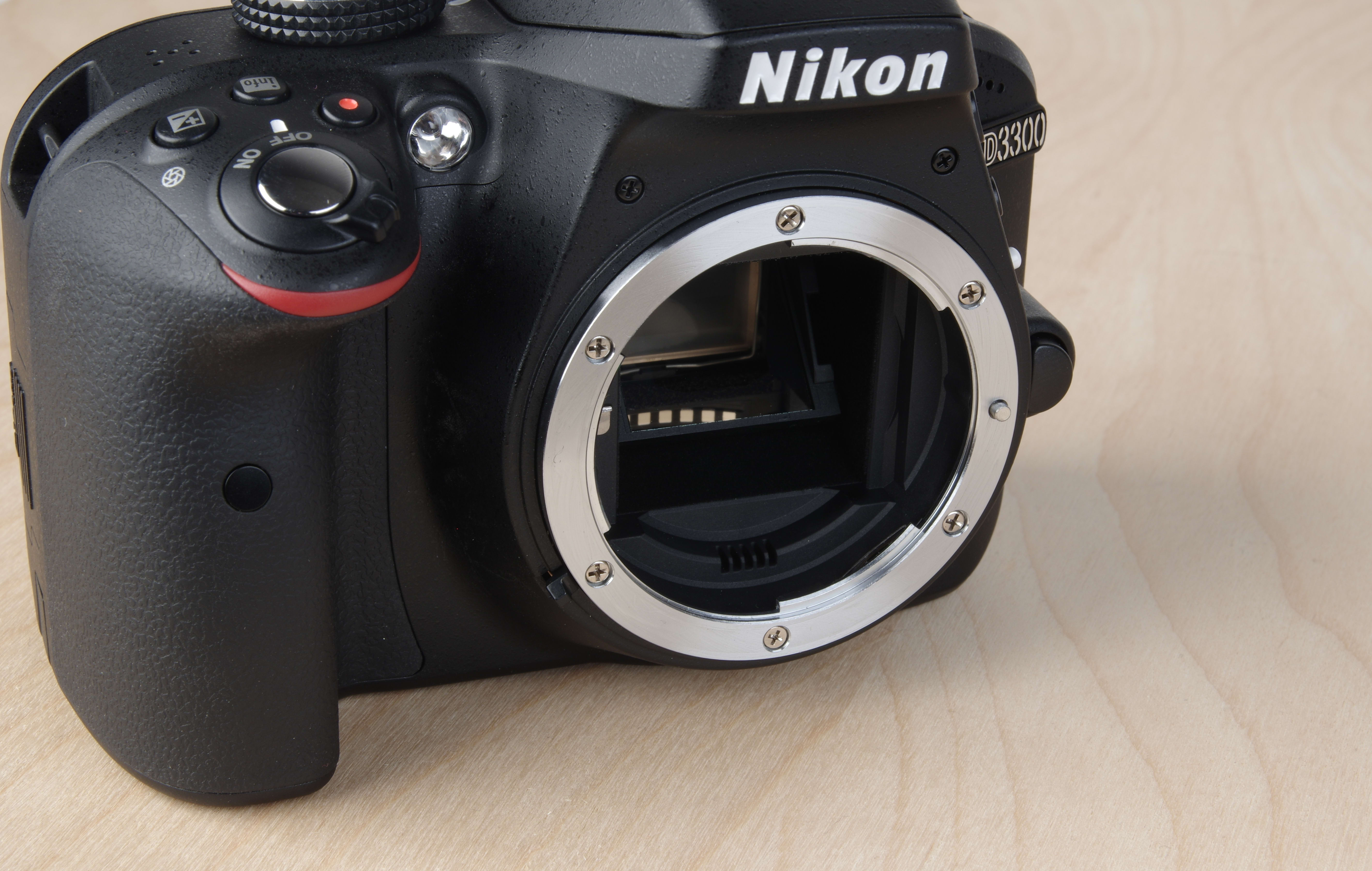 A picture of the Nikon D3300's lens mount.