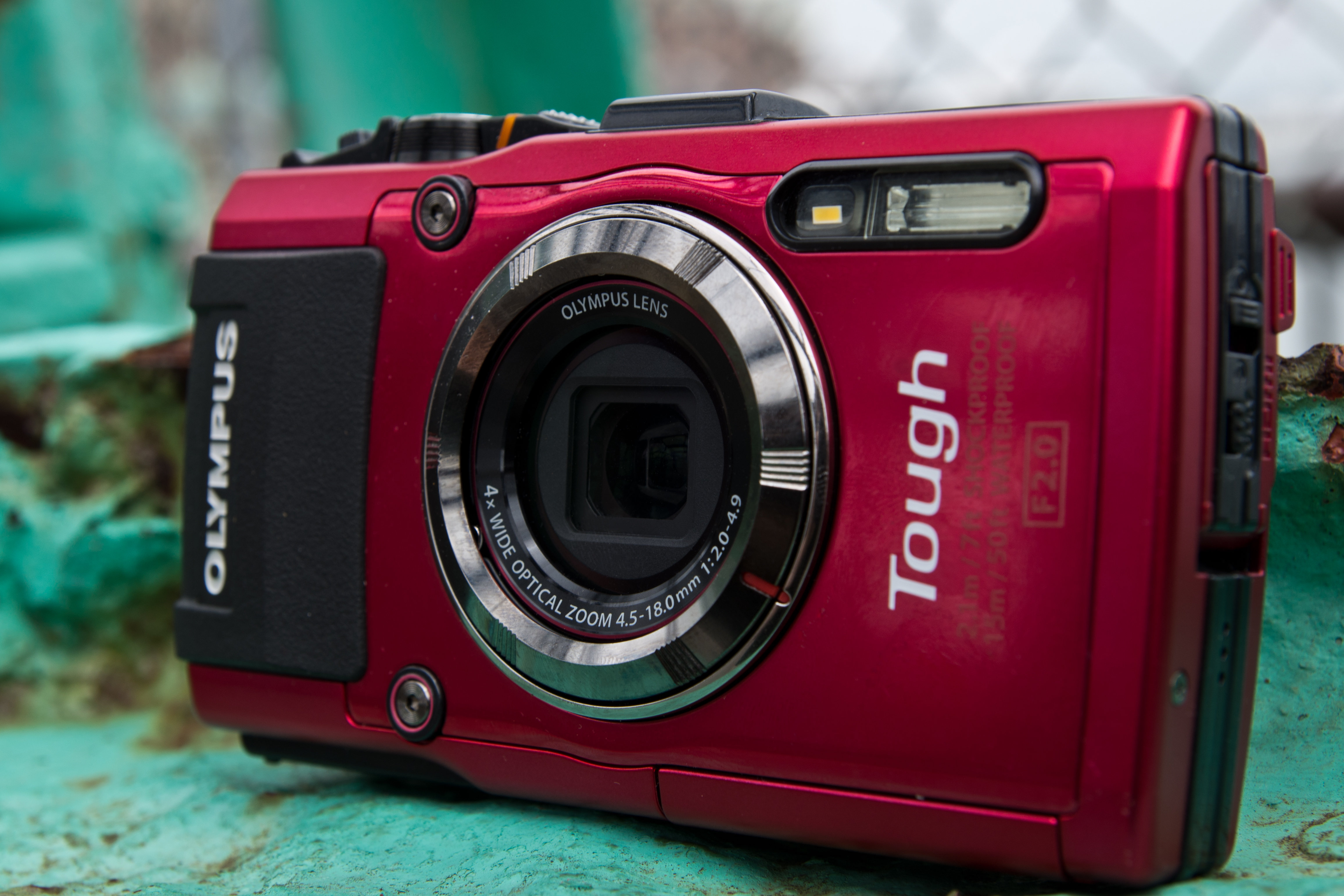 A picture of the Olympus TG-3's exterior casing.
