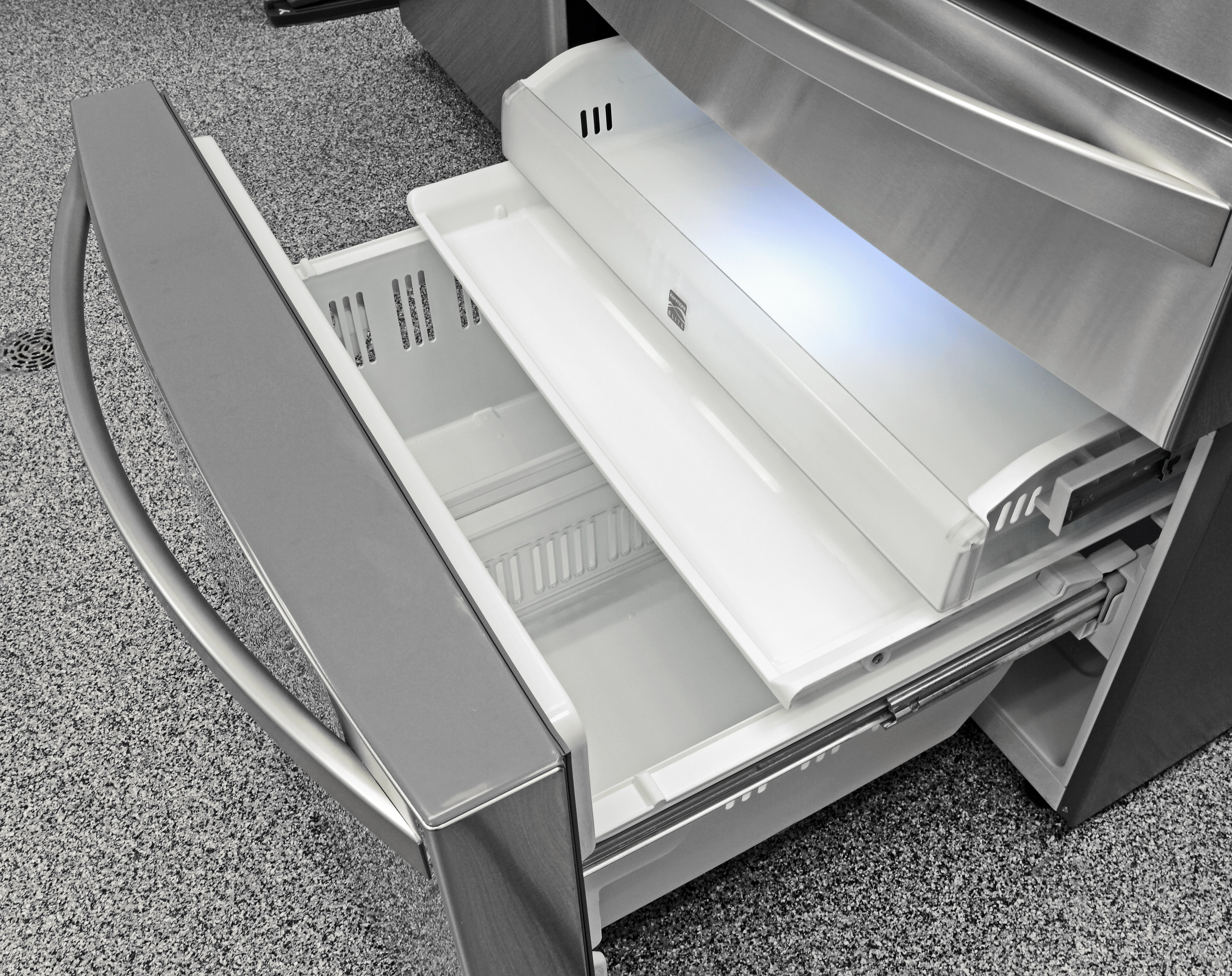 The Kenmore Elite 72483's freezer has multiple drawers of varying heights that will help keep your frozen food organized.