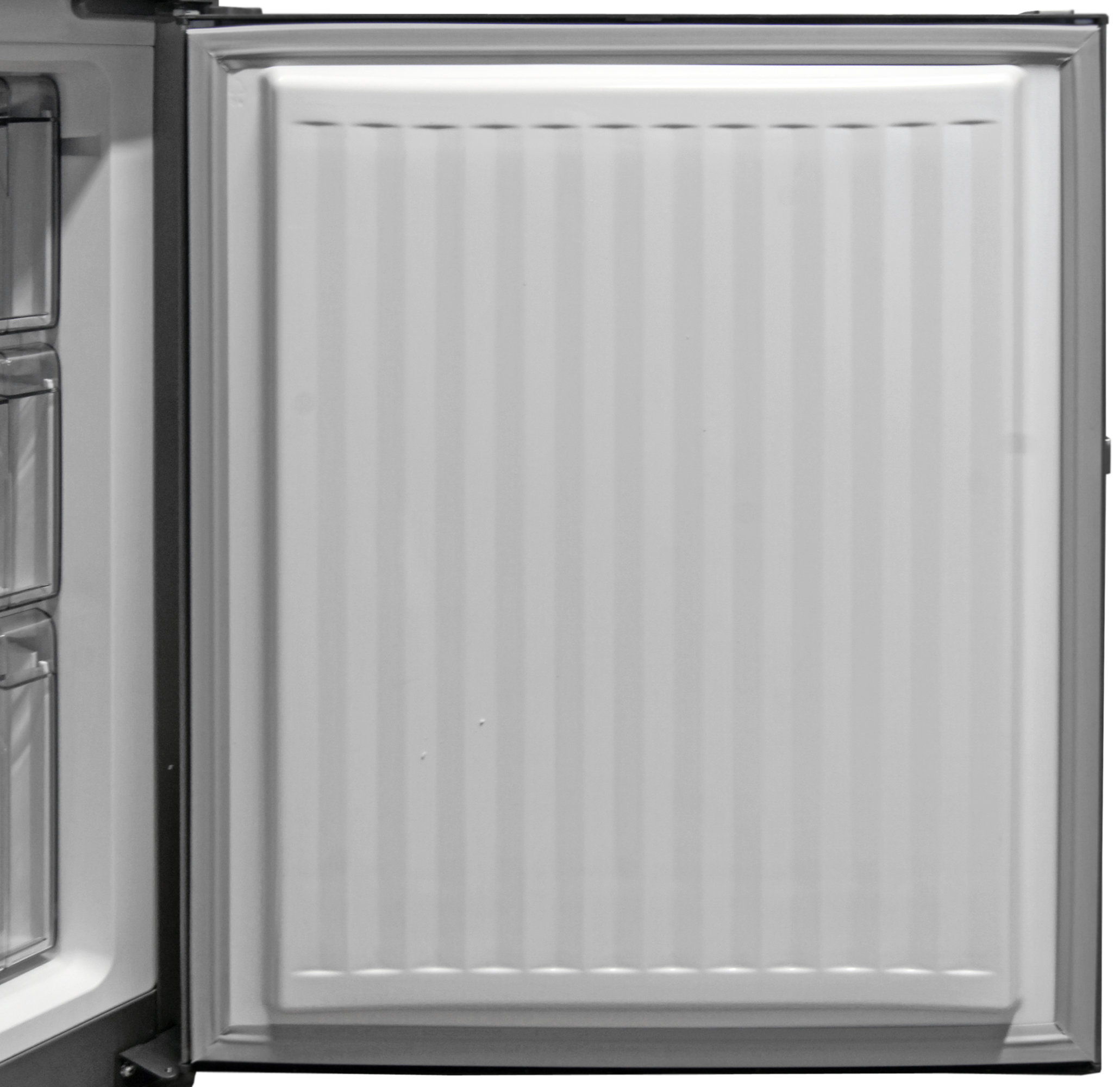Like almost all apartment models, the Fagor FFJA4845X has no door storage in its freezer.