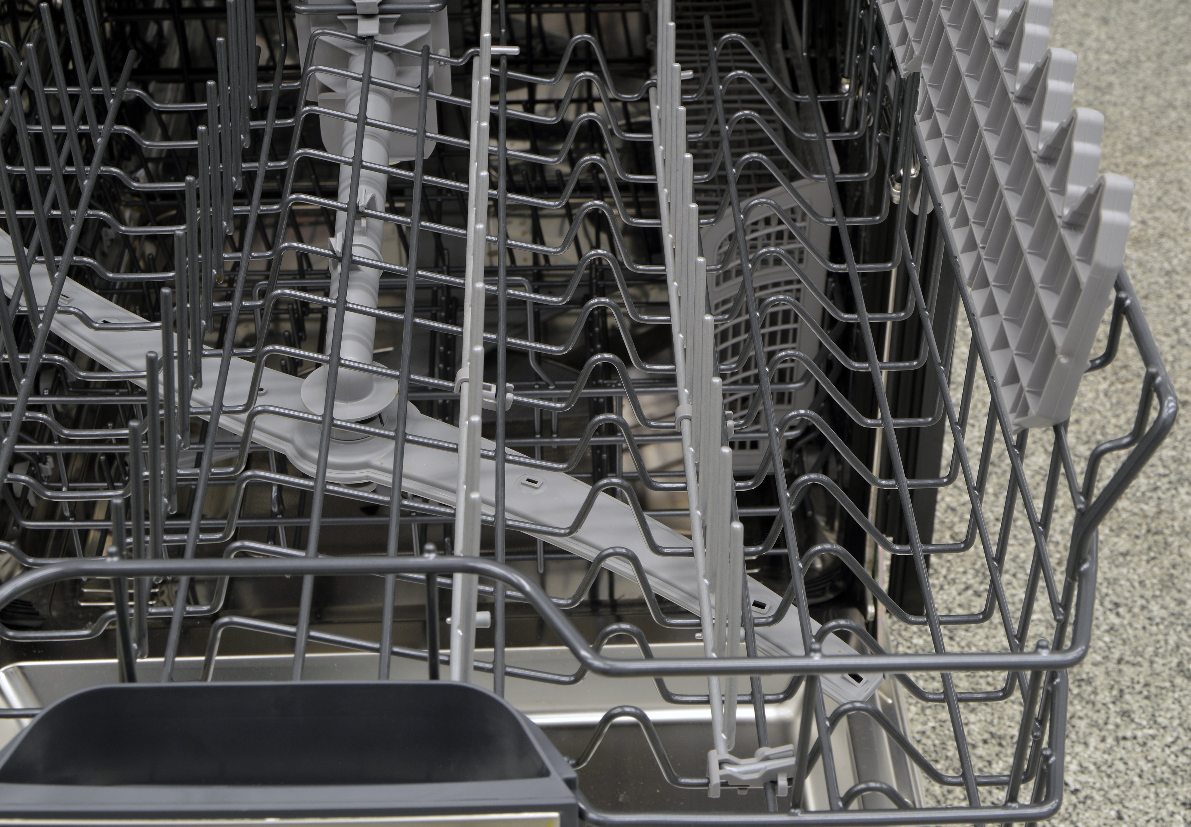 Upper rack tines that can be folded down