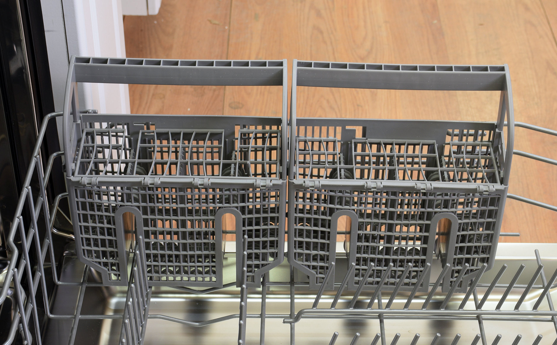 The Bosch SHP65TL5UC's plastic cutlery holder