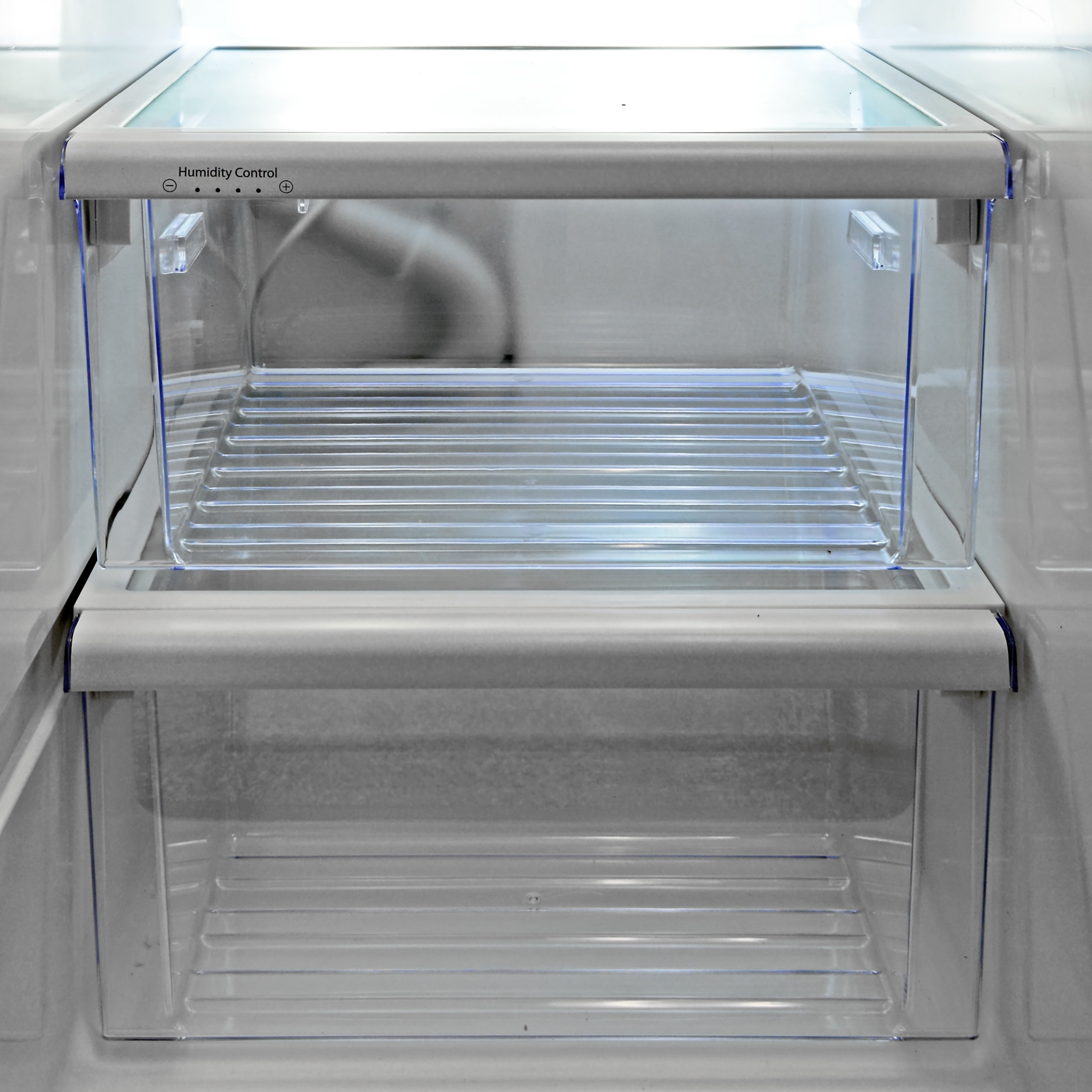 The Whirlpool WRS571CIDM's lone adjustable crisper was decidedly mediocre.