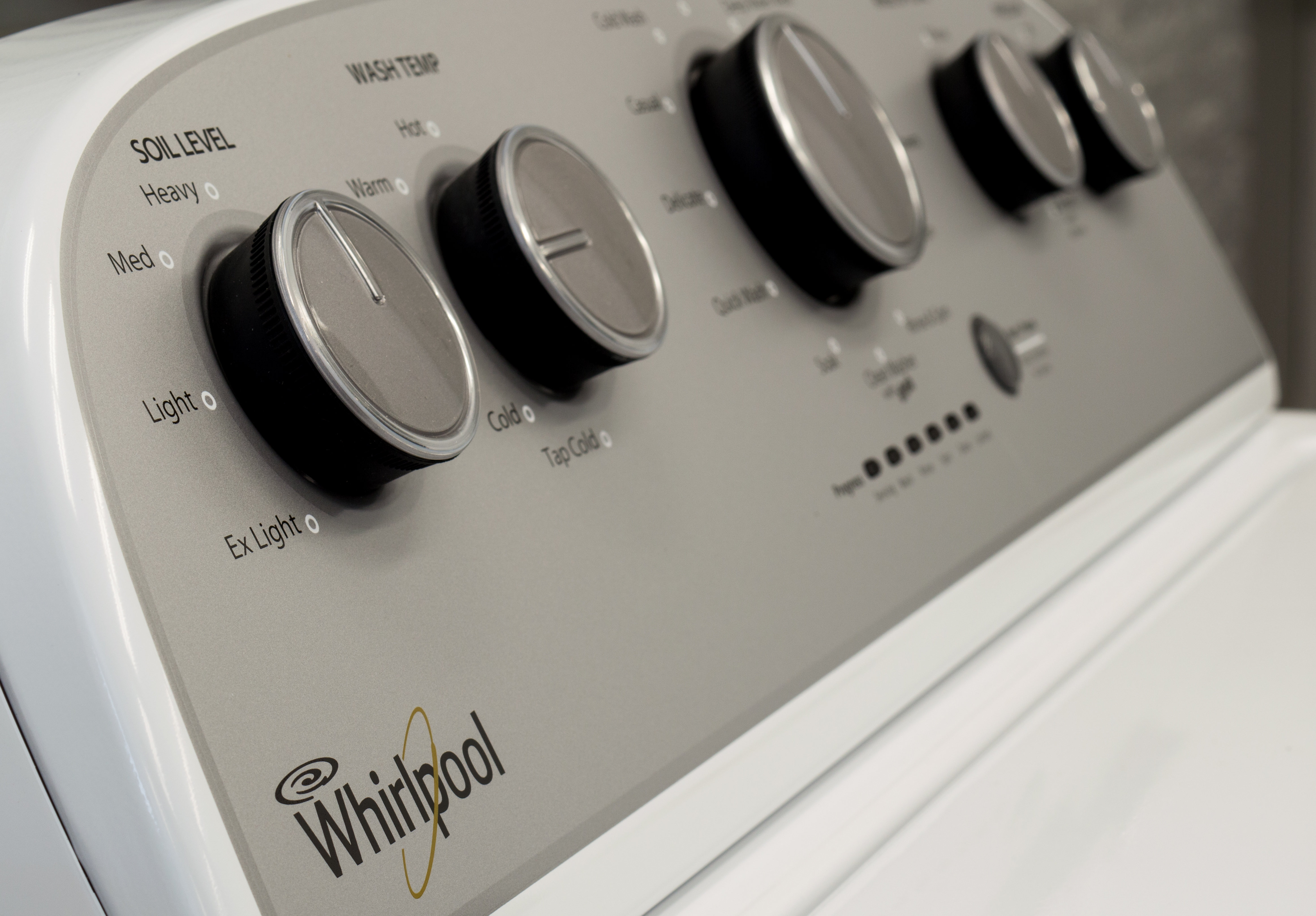 The  uncluttered control panel makes it easy to use.