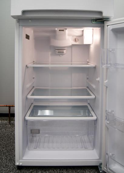 Whirlpool WRT111SFAW Apartment Refrigerator Review - Reviewed.com ...