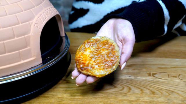 Tiny pizza