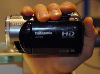 Panasonic_HDC_SD9_handling.jpg
