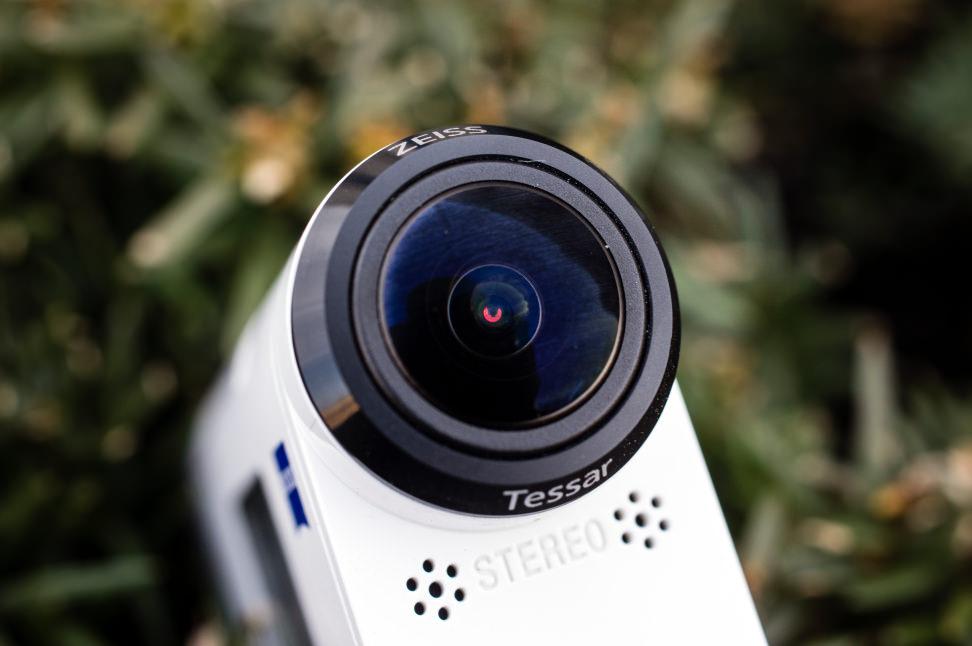 Sony-FDR-Z1000V-Design-Lens.jpg