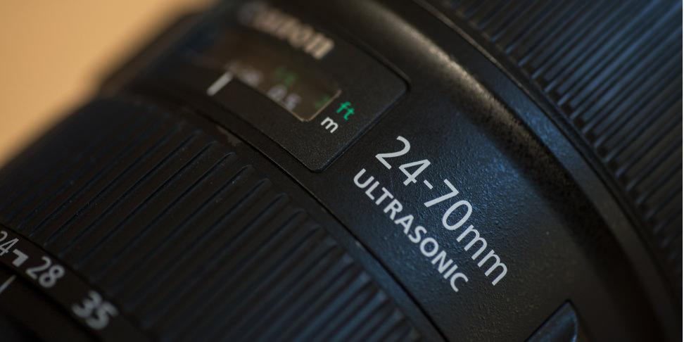 canon-24-70-f2p8-review-design-label-wide.jpg