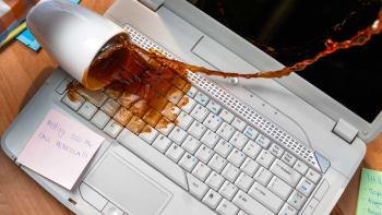 636598292844993132 spill laptop