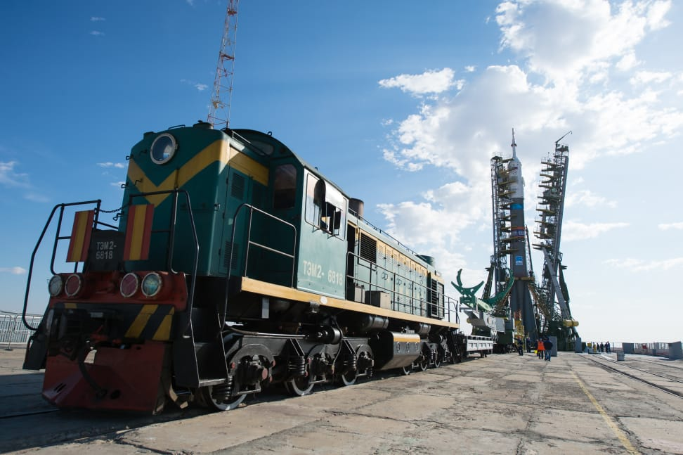 Expedition 41 Soyuz Rollout.jpg