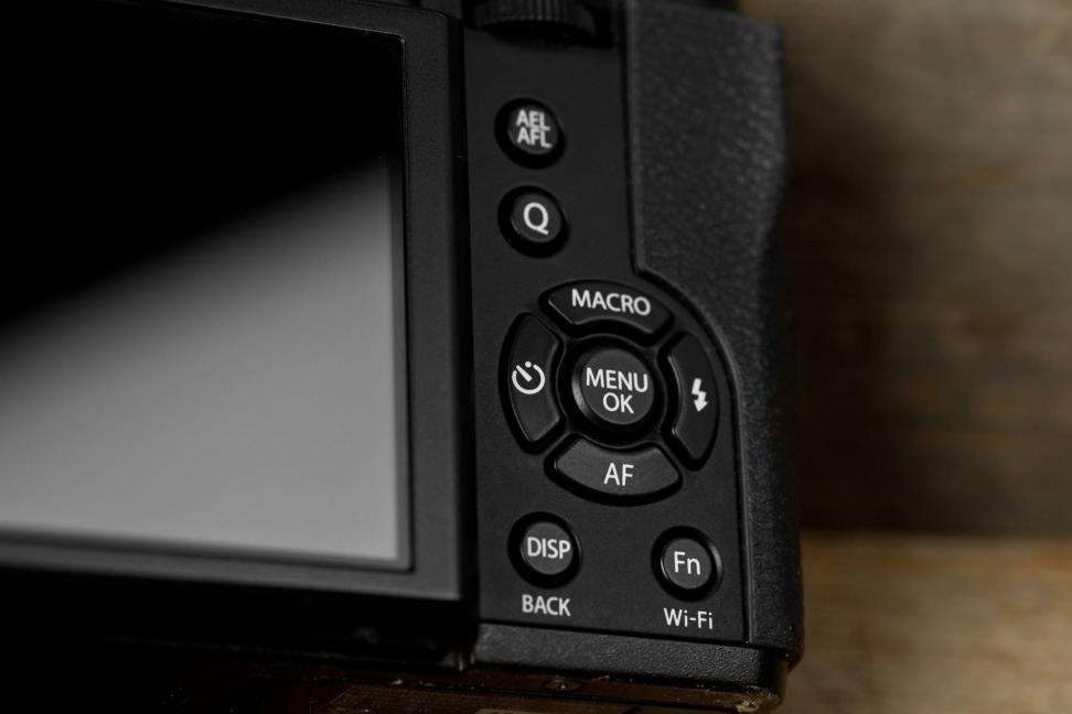 fuji-x30-review-design-rear-controls.jpg