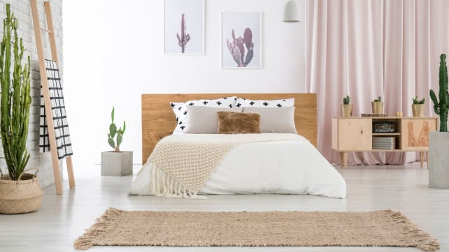 Clutter-free-bedroom