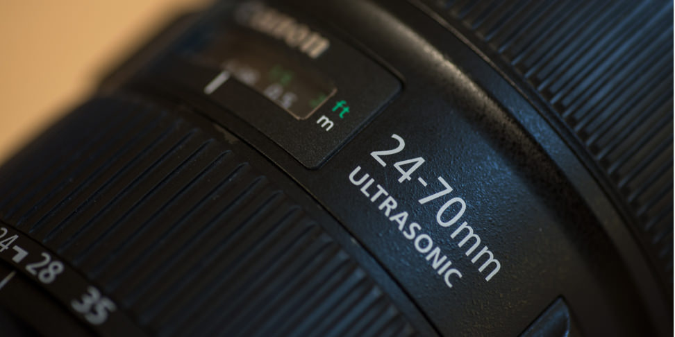 canon-24-70-f2p8-review-design-label-wide.jpg
