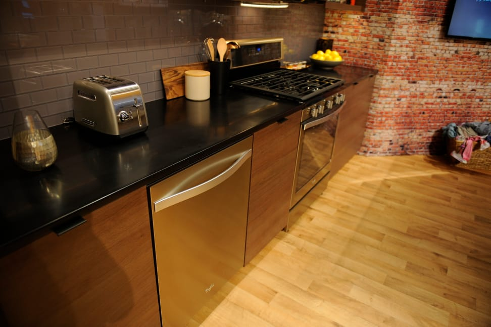 Sunset Bronze dishwasher and oven.JPG