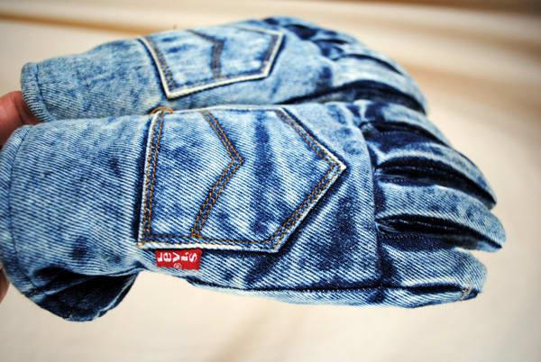 levis-denim-gloves.jpg
