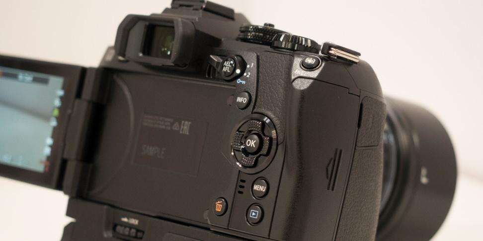 Olympus OM-D E-M1 Mark II Rear Controls