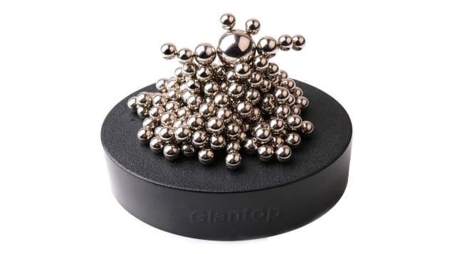 magnetic desk toy