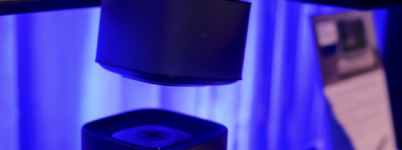 Philips fidelio e6 detachable speaker hero