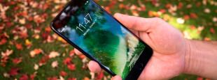Apple iphone 7 plus in hand