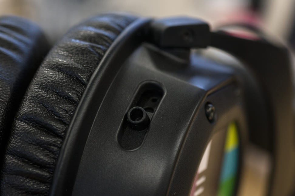 beyerdynamic-custom-one-pro-plus-slider.jpg
