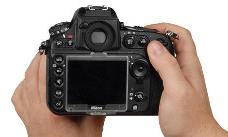 NIKON-D800-PRODUCT-HANDLING2.jpg