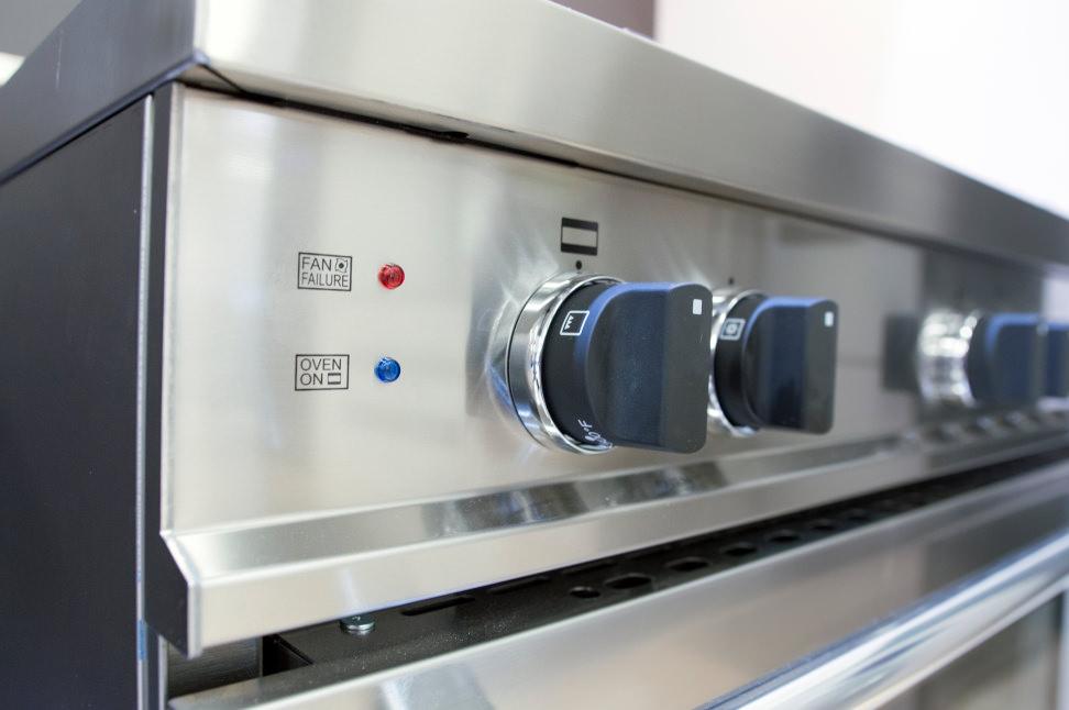 Bertazzoni MAS3365GASXE oven controls