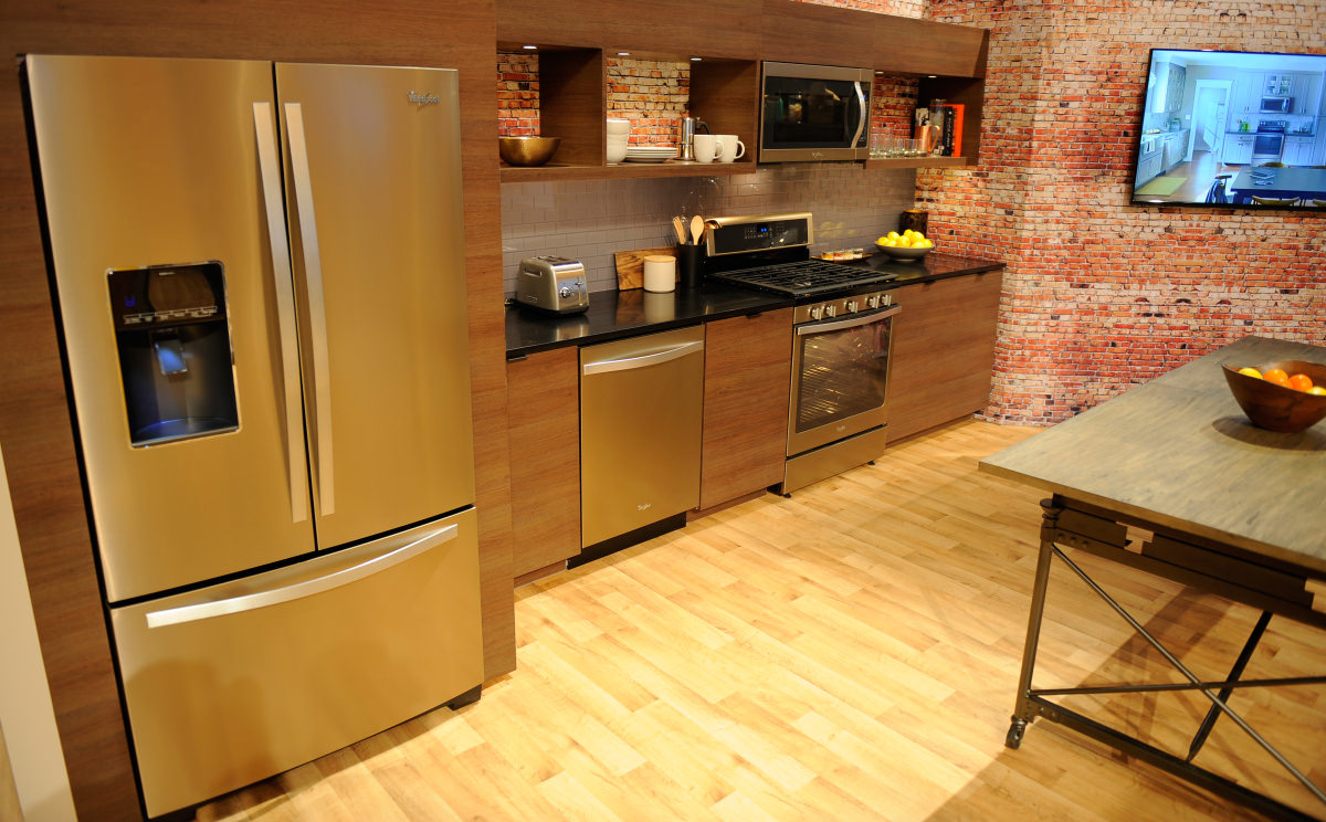 Whirlpool White Ice Kitchen Collection - We got hands on time with whirlpool s sunset bronze kitchen suite at ces 2015