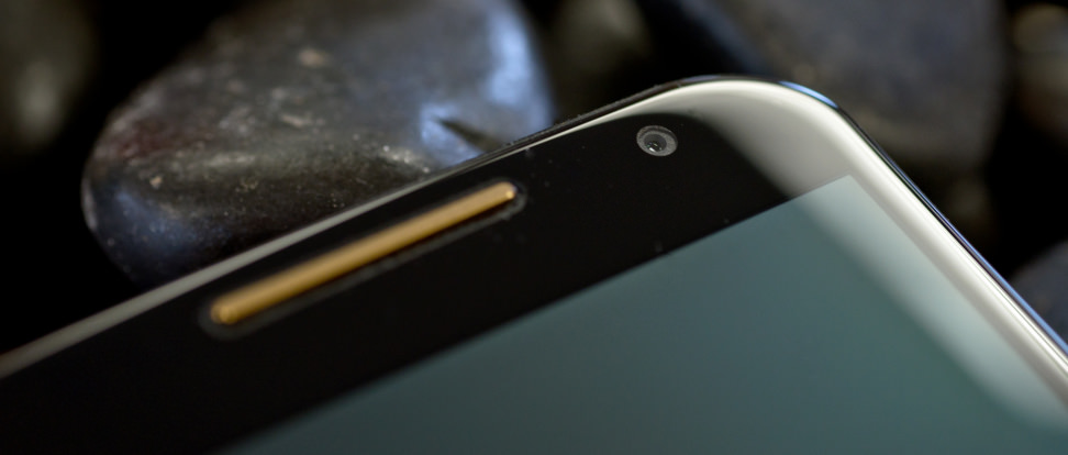 motorola-moto-x-2014-review-design-front-camera.jpg