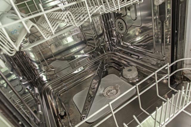 Clean-dishwasher