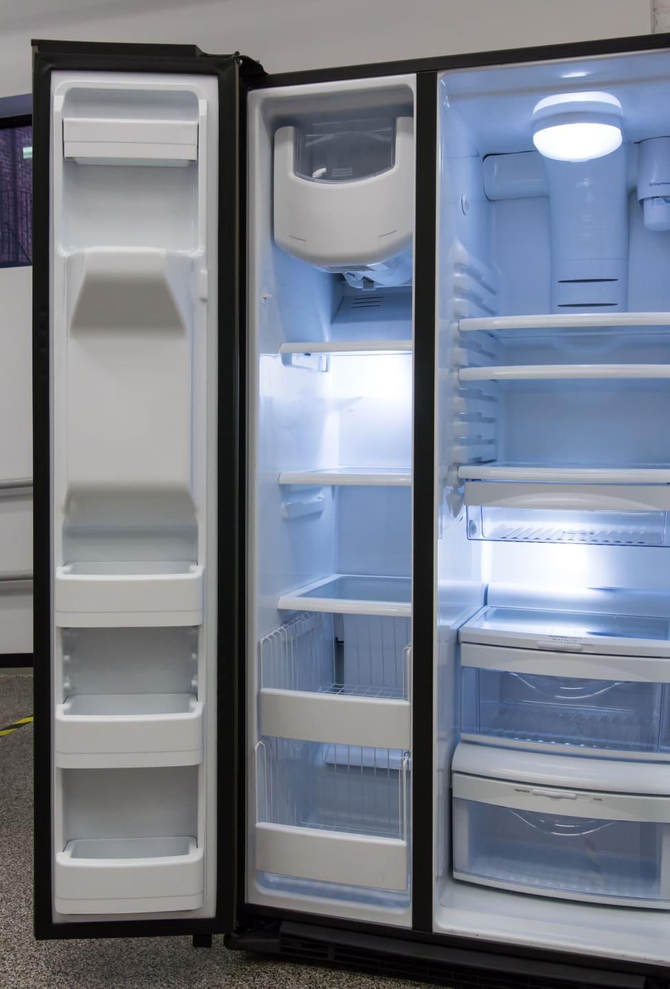 GE-GSE25HMHES_freezer-highlight