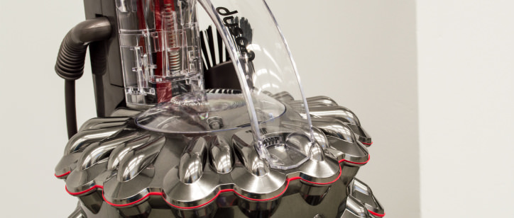 with great handling the cinetic will help you get the ball rolling on your house cleaning - Dyson Cinetic