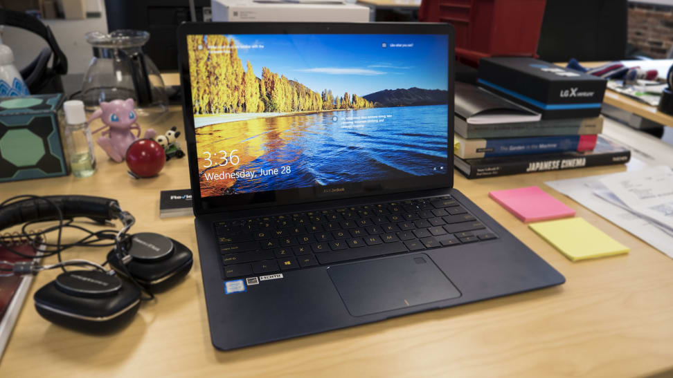 Product Image - Asus Zenbook 3 Deluxe UX490UA