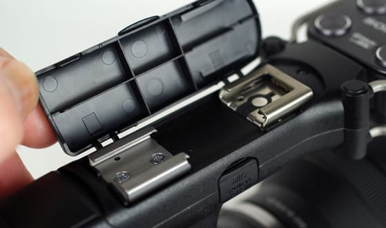 SONY-NEX-VG30-hotshoe-fixed.jpg