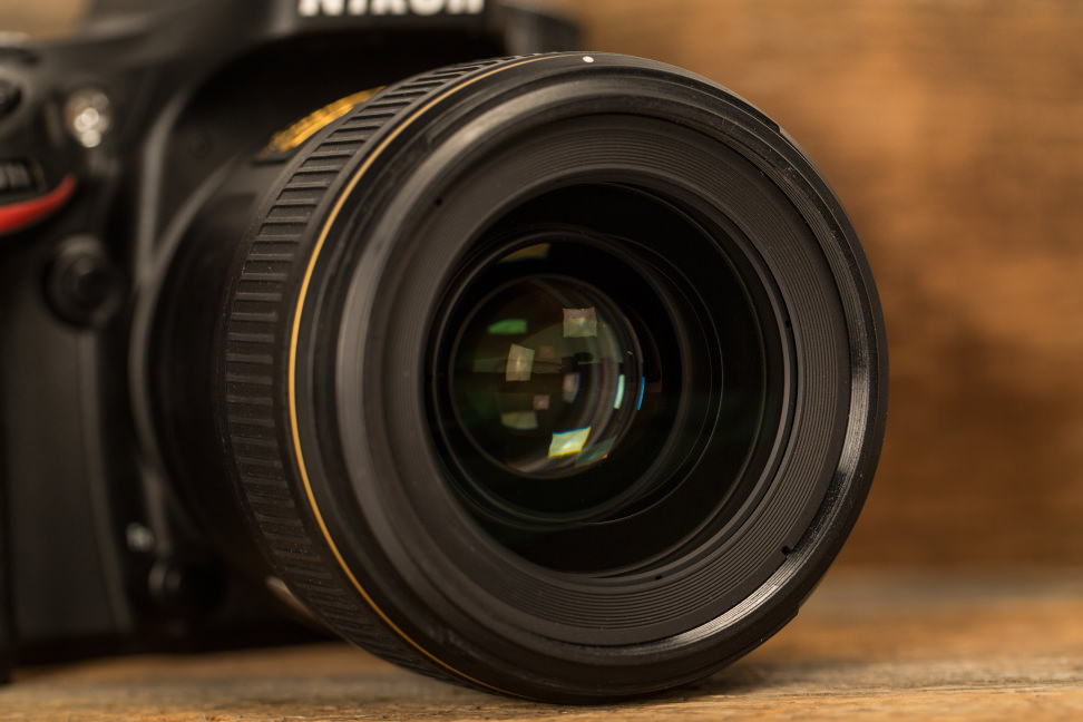 nikon-35mm-f1p4-review-design-camera.jpg